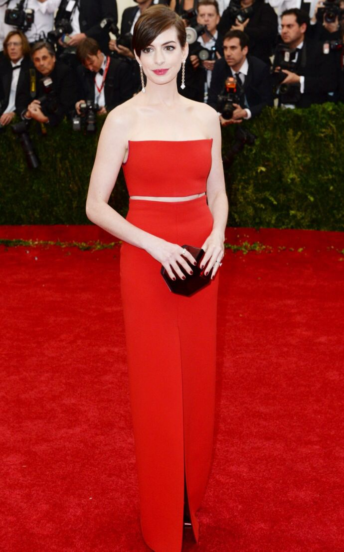 Anne Hathaway at the Met Ball