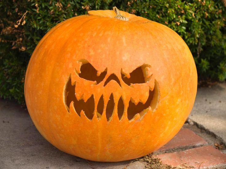 22 Traditional Pumpkin Carving Ideas | DIY Home Decor and Decorating Ideas | DIY