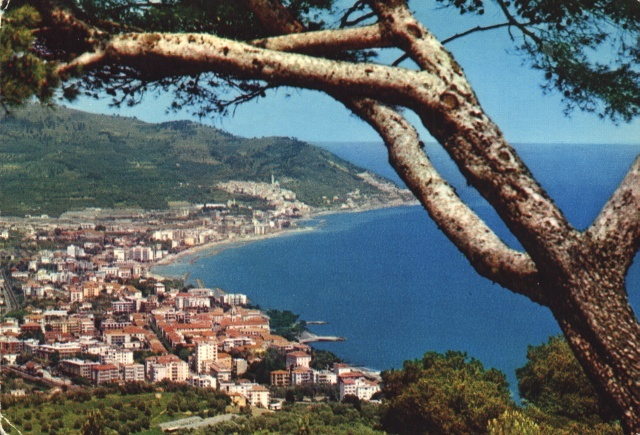 Riviera dei Fiori - Diano Marina, Panorama - 1973 www.hotelmorchio.com