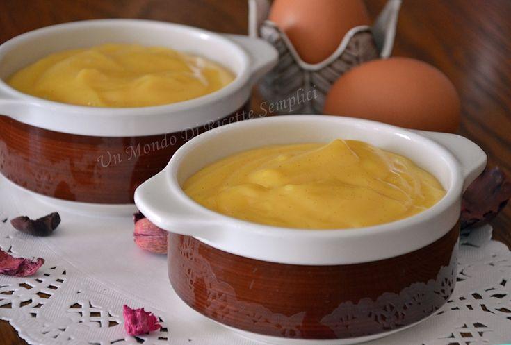 La crema pasticcera è un crema ideale per farcire dolcetti e torte. La preparazione è molto semplice, in poche mosse avrete una crema gustosa e profumata.