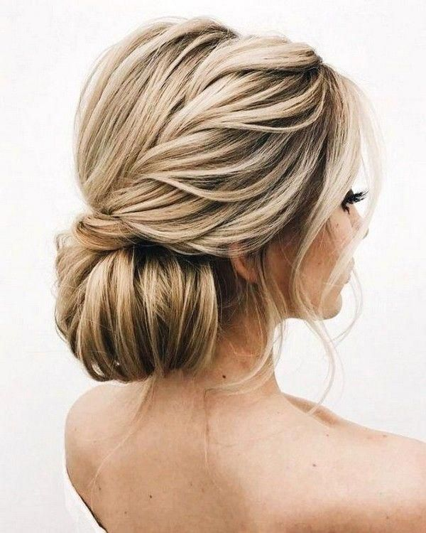 80 Stunning Gorgeous Braided Half Up Half Down Hairstyle And Soft Braided Updo Hairstyle Haircut Hair Styles Braided Crown Hairstyles Crown Hairstyles