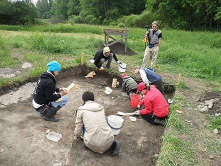 Ut i naturen: Aktuellt vid Raseborgs slottsruin. Arkeologiska utgrävnningar #Raseborg #Arekologi #EKTAMuseumcenter #Utinaturen #luontoon