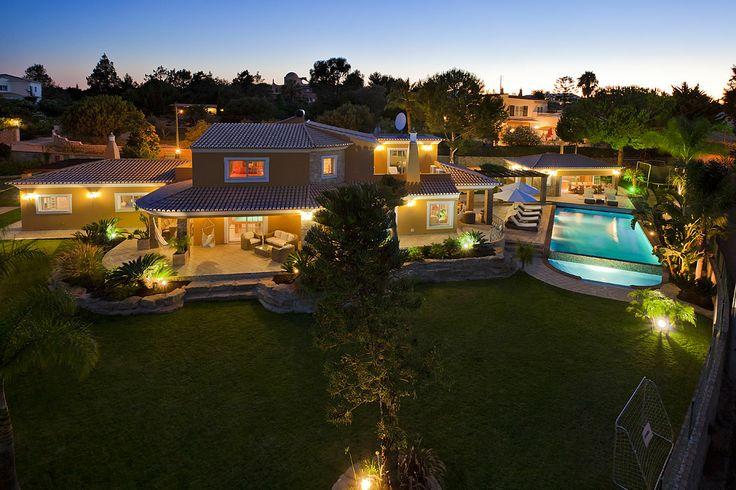 4 bedroom villa, central Algarve. info@algarveweddingsbyrebecca.com