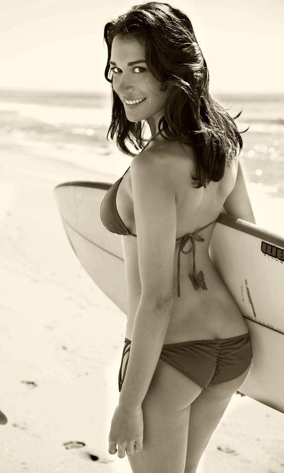 Surfer Girls. #mrcalifornia #surf