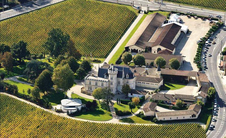 Lujo es tener, literalmente, la llave del castillo, como propone Luxury Wine Tourism