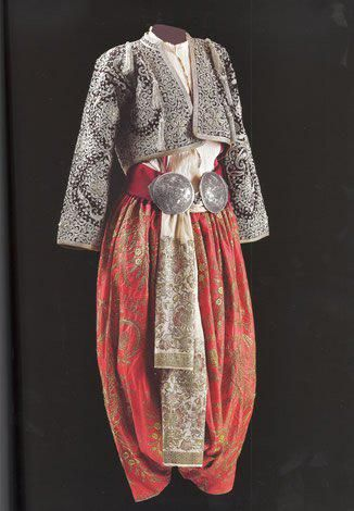 Traditional bridal (and later-on festive) costume, from Eskişehir. Late Ottoman, end of 19th - early 20th century. Sadberk Hanim Museum.