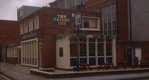 The Priory Inn. Opened in the 1950s, demolished in 2003 to make way for housing.
