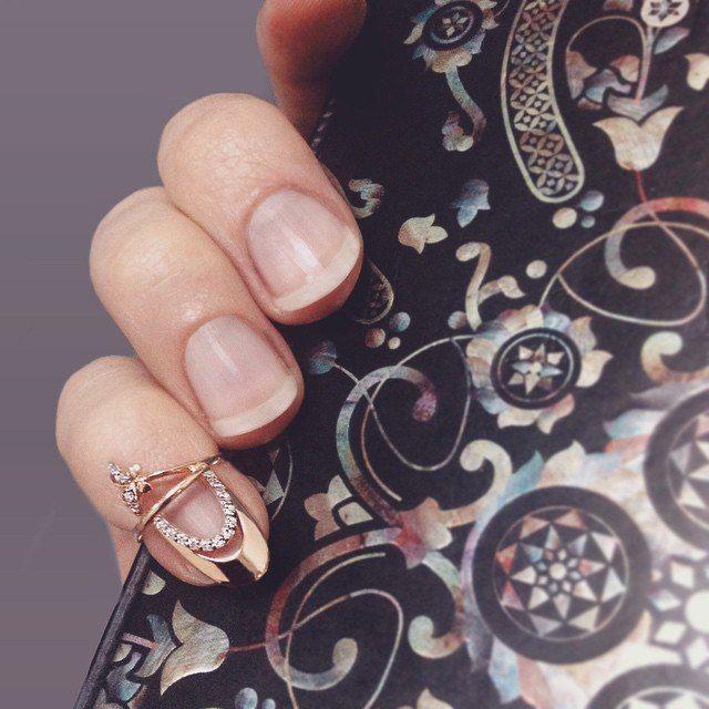 Кольца на фаланги пальцев: аристократичная неординарность http://www.magicgold.ru/sp/koltsa-na-falangi-paltsev-599/