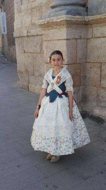 ENTRE TELAS: LA HIJA DE LAURA(alumna de la academia) ESTRENA EL...