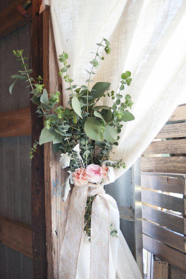 #SGWeddingGuide : Stylish Wedding Flower Details