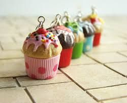figuras de arcilla polimerica comida - dijes para collares,aretes,pulseras o llaveros...cupcakes