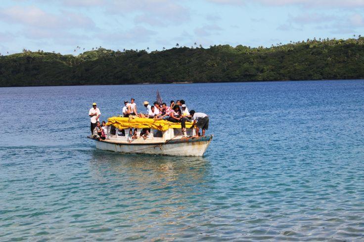 Plus on est de fous sur le #bateau, plus on rit...#Tonga