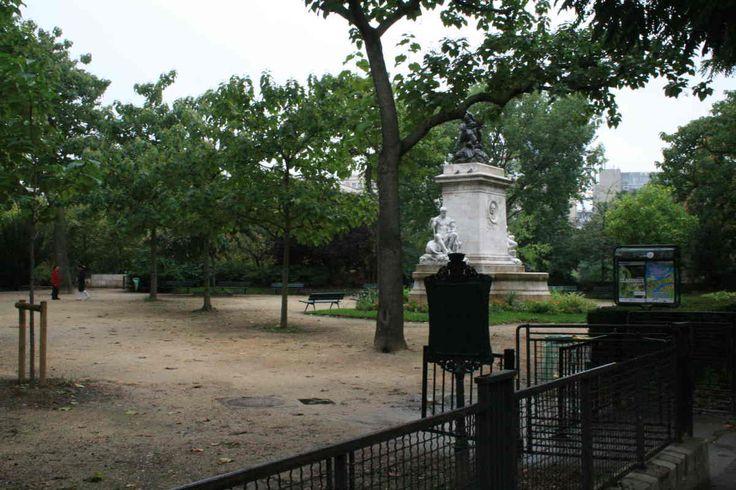 Square Barye