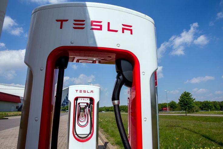 A Coast To Coast 2020 Tesla Roadster Road Trip
