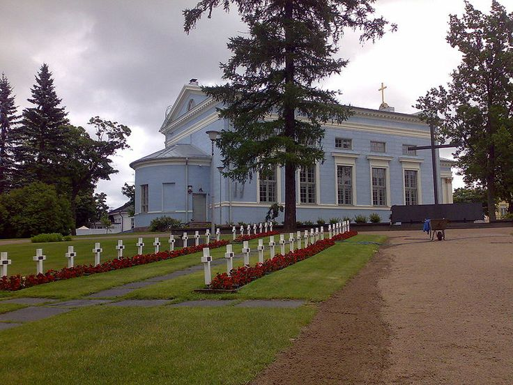 St. John Church and military cemetary in Hamina, Finland - Haminan Johanneksen kirkko ja sankarihaudat. Photo Juha Hotari