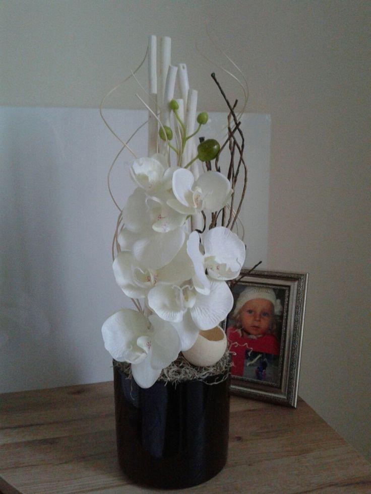 Moderní+dekorace+s+orchidejí+Celoroční+moderní+dekorace+s+orchidejí.+Výška+49cm,délka+18cm,šířka+18cm.
