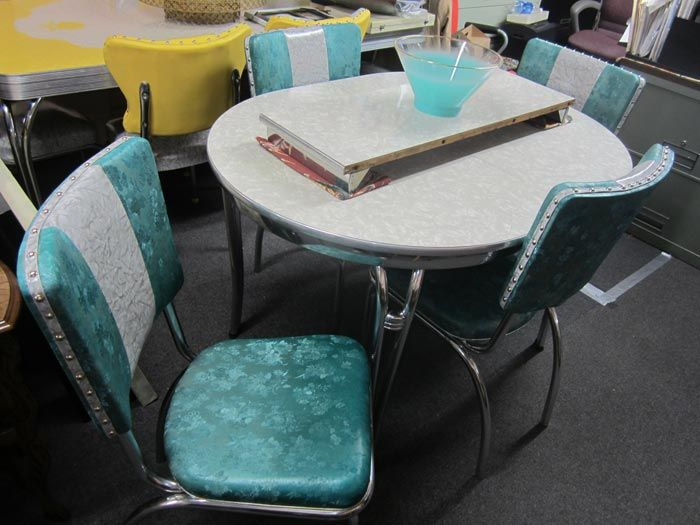 Retro Chrome Dinette Set Gray Oval Formica Table 1 Leaf