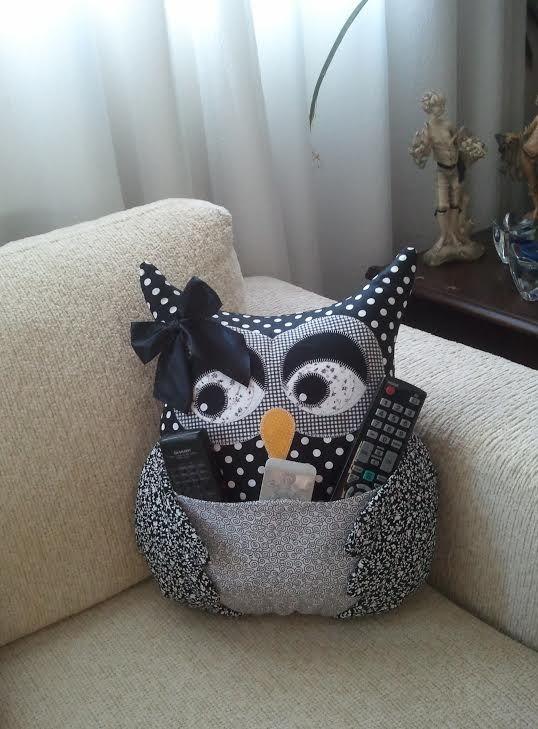 Almofada de Coruja - Artesã Ana Elgui - www.facebook.com/... #almofada #coruja…