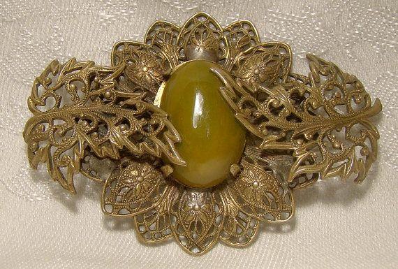 Czech Green Bakelite Filigree Leaf Brooch Pin 1920s