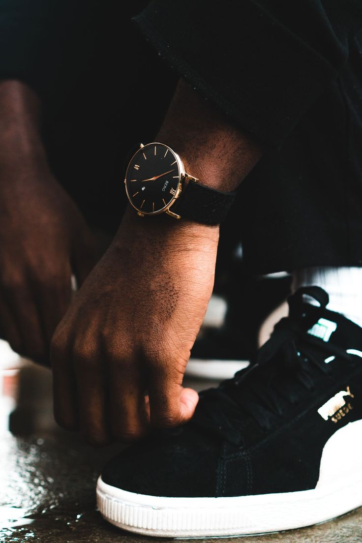 Fits perfect with street style as well as casual and classy! Find a Berg that fits you at www.bergwatches.com  #streetfashion #streetstyle #fashion #mensfashion #watch #bergwatches
