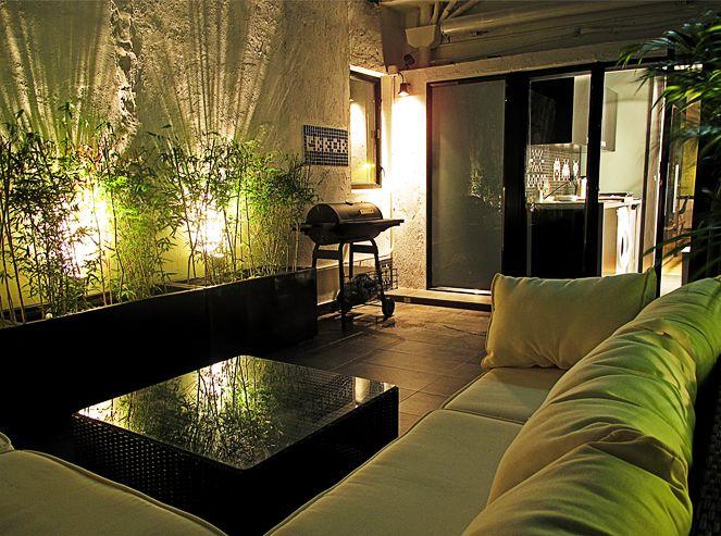 Hong Kong apartment - small terrace = perfect retreat