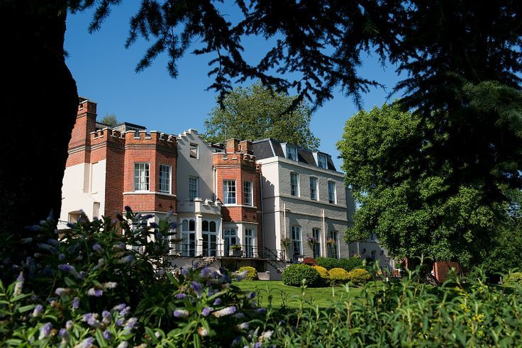 Hotels Near The Auction House Luton