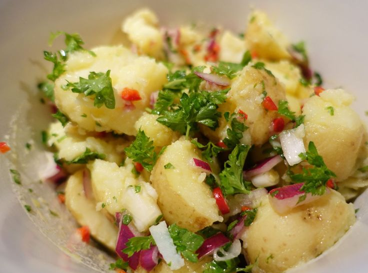 Uansett hva du skal grille i kveld - det finnes en potetsalat som passer til. Her er våre tre favoritter.