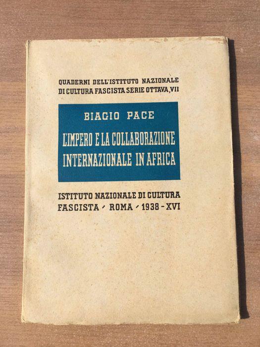 "Fascisme; Veel 12 boeken - 1935/1985  Lot van 14 booksL1. een Duitse bankbiljet ""Eine Reichsmark"" code nr. 182-051796.2. ""Mussolini Aprile ' 45: l'epilogo""Auteur: G.Bianchi e F.MezzettiUitgever: Editoriale NuovaJaar: eerste uitgave 1985.Hardcover.Afmeting: 20 x 13 cmIn goede staat.3. QUADERNI DELL' ISTITUTO NAZIONALE DI CULTURA FASCISTA - SERIE SETTIMA IIITitel: ""Augusto e l'impero""Auteur: Pietro De FrancisciJaar: Rome 1937Uitgever: Istituto nazionale di cultura fascistaPaperbackAfmeting: 22…"