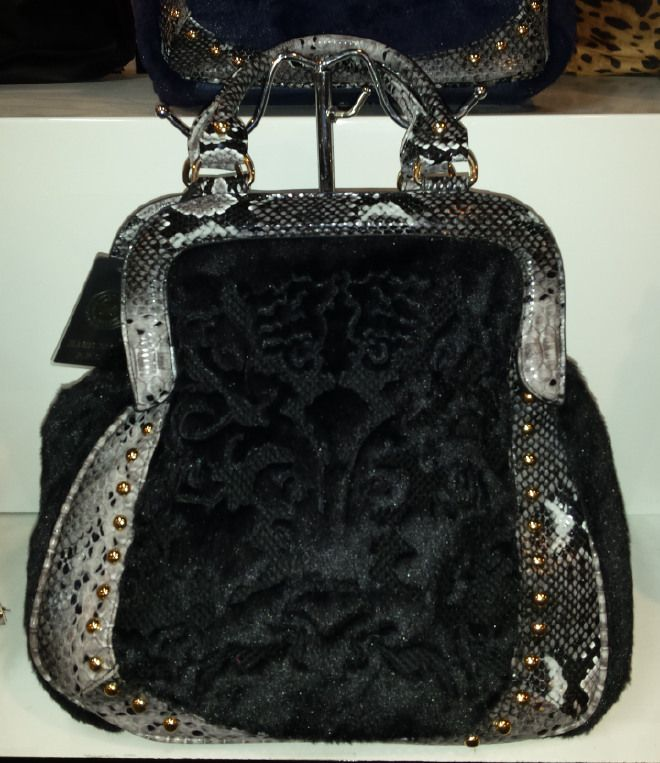Ladies Faux Leather Queen Handbag with Fur Design borsa Beutel sac 37,78 € su www.bandana.it