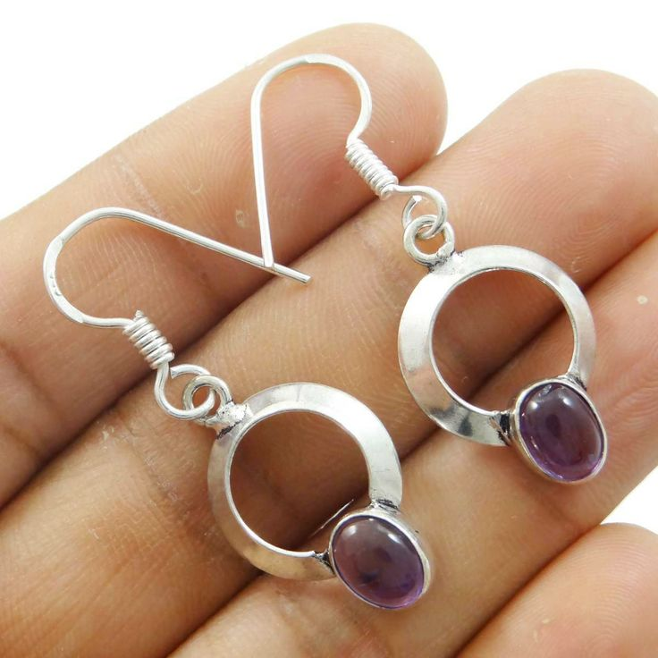 This is a beautiful 925 silver plated  metal dangle earring set. It is very fashionable jewelry. ..this is img