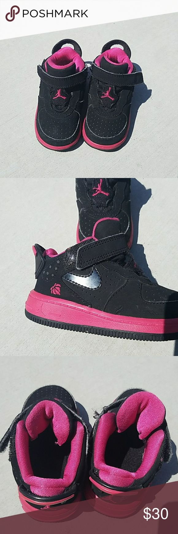 ❤Valentine's Day Jordans Limited Edition Valentine Jordan's in good condition! There is slight cracking on front toes but not very noticeable because of the color. Very cute!!  Size 5c toddler jordans Shoes