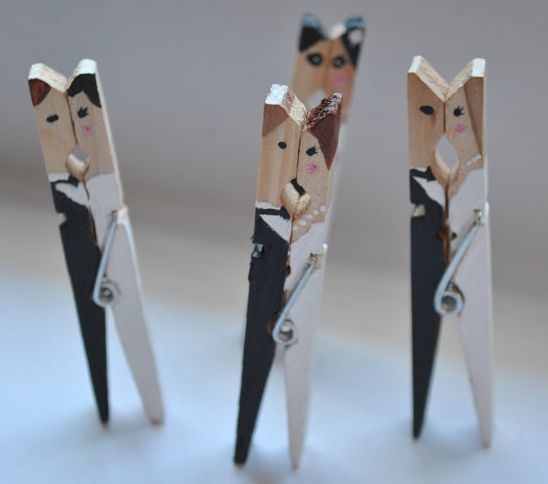 Cutest Wedding Place card holders! Make them yourself if you're a DIY girl - or buy them on etsy ;)