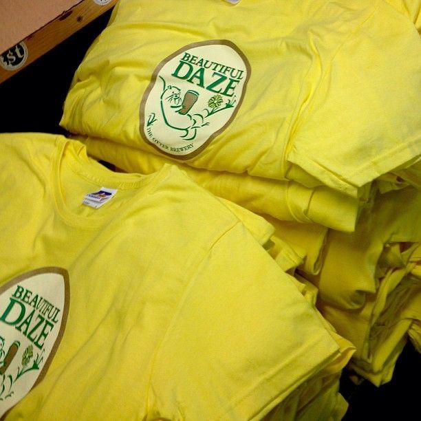 Beautiful Daze otter brewery t shirt