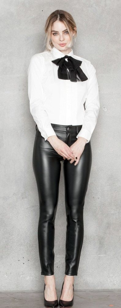 https://flic.kr/p/23Ma1XA | Sexy next door girls | Collected from the web