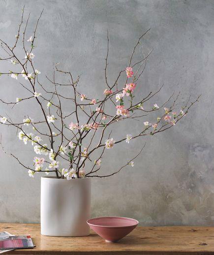 Minimalist flower arrangement