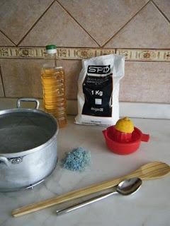 Detergente líquido para a louça, caseiro