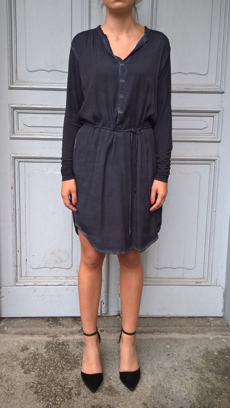 Dress Hazel in midninght. Available online: http://www.sofinah.fi/product/613/dress-hazel-midnight-blue