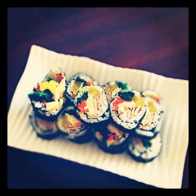 김밥 (gimbub) Korean rice roll