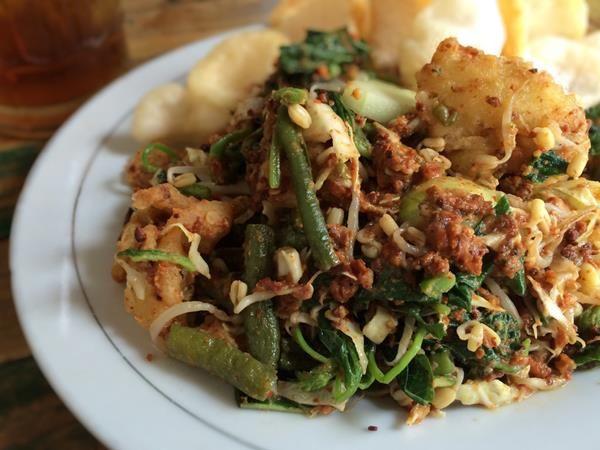 Resep Lotek Salad Tradisional Khas Sunda Yang Memiliki Cita Rasa Lezat Resep Masakan Resep Makanan Lauk Makan Malam