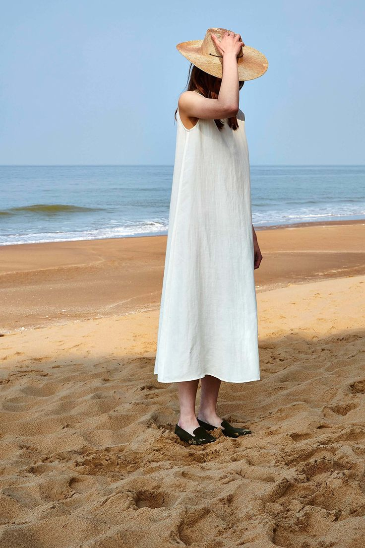 The rocky cliffs and sandy beaches of the Gulf of Finland was the perfect backdrop for designer Jenni Väänänen's second preseason collection for Finnish label Samuji. The collection is rooted by natural fabrics that require low maintenance care, like linen and wool, while still maintaining
