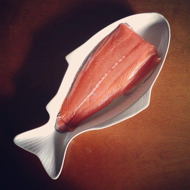 Fresh Atlantic salmon is next to godliness. Just sayin'. #salmon #fish #icelandiccuisine #seafood #homecookin #iceland #tigerstores #foodgram #tigercamera2015