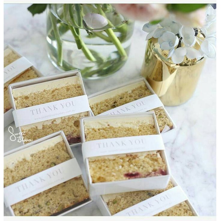 Cake slices as favours!