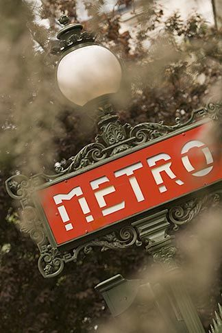 France, Paris, Metro sign - David Sanger
