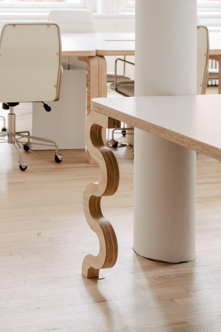 Michael Yarinsky Designs a New, Minimalist Headquarters for Billie - Design Milk Desk Legs, Table Legs, Pink Tax, Bend Goods, White Bedspreads, Deco Retro, Minimalist Office, Stylish Office, Modern Light Fixtures