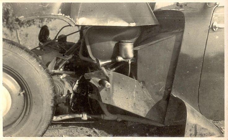 https://flic.kr/p/BttuBL | Old Cars | Accident