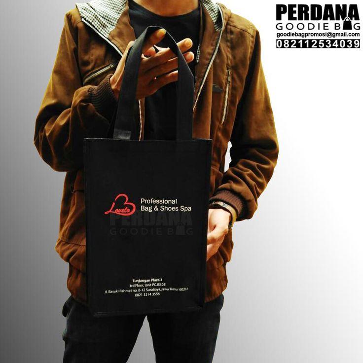 melayani pemesanan tas di seluruh wilyah Tas Spunbond Produksi Perdana Perdana Goodie Bag belum lama memproduksi tas spunbond untuk klien di Surabaya Jawa Timur. Sebagai informasi berikut ini kami …
