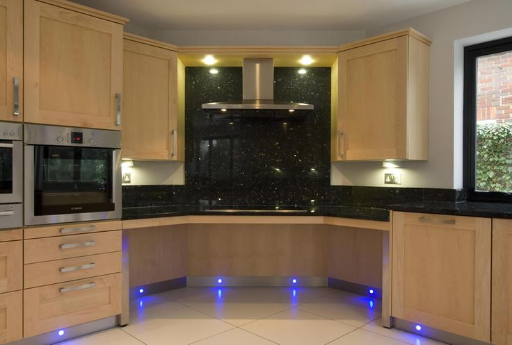 Accessible Kitchens Wheelchair Users | View Larger Image of Natural Maple Kitchen, Hob Area