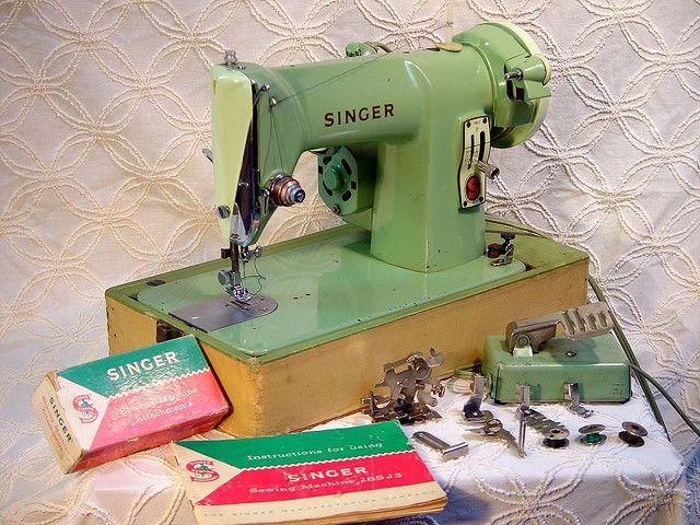 Vintage Singer 40J40 Portable Green Machine Circa 40 Sewing Inspiration Singer Green Sewing Machine