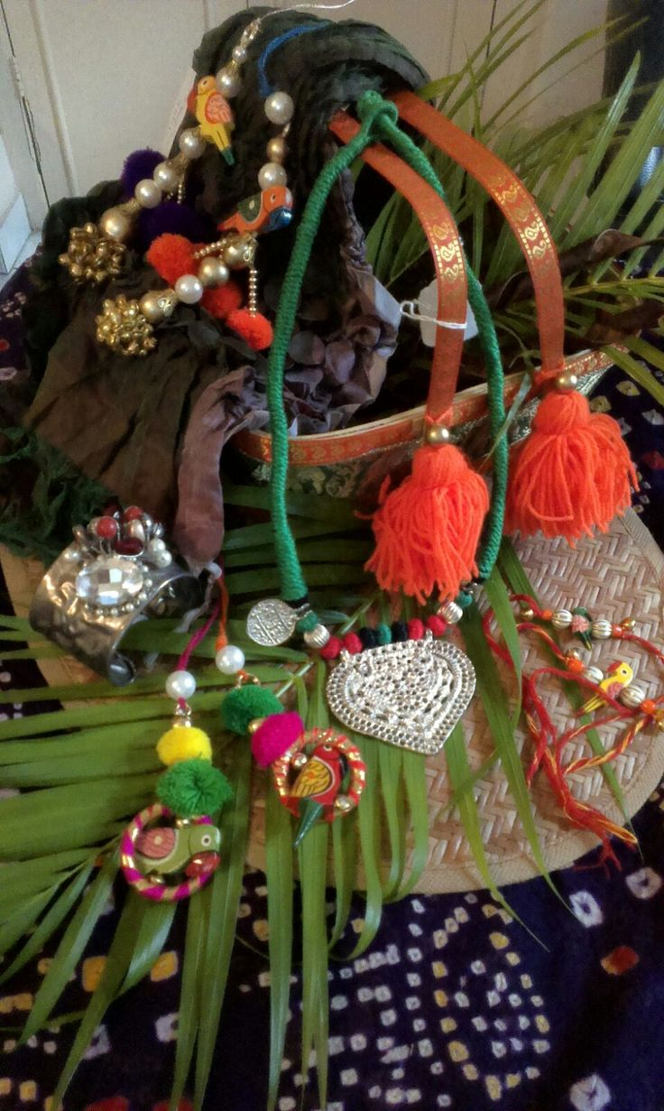 Exclusive handmade jewelry from Urban Haat in this wedding season