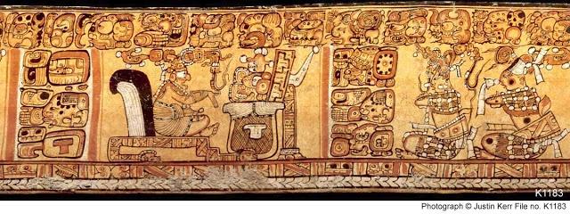 """Cuando un noble maya observaba un texto de sus ancestros, no lo leía de manera lineal o literal, era un recurso mnemotécnico para desarrollar un discurso, es decir, un conjunto de frases concentradas en ideogramas y pictogramas que al """"verlas"""" se leía más de lo que estaba escrito y se ajustaba la realidad a la percepción gramatical de un idioma metafórico."""